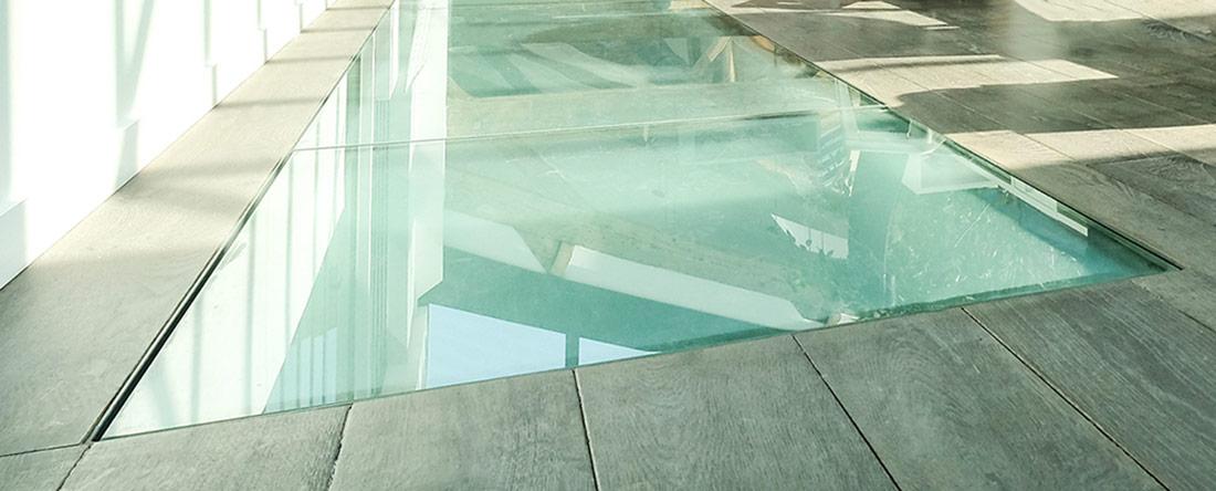 Installer un plancher en verre