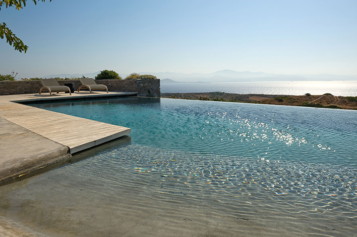 Signe ext rieur de piscine for Piscine miroir avec plage